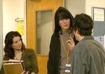 Ashley Johnson e Paul Dano in una scena del film Fast Food Nation