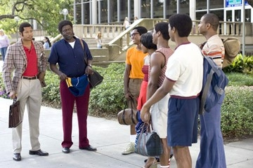 Bernie Mac e Terrence Howard in una scena del film Pride