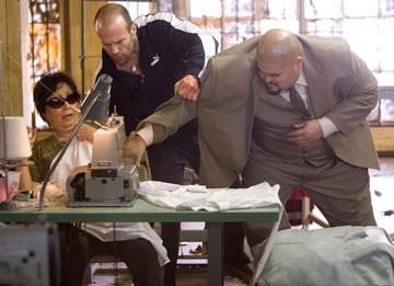 Jason Statham in una scena di Crank, action movie del 2006