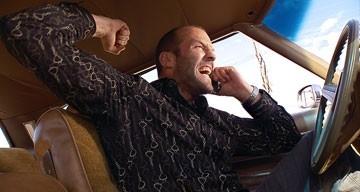 Il protagonista Jason Statham in una scena del film Crank (2006)