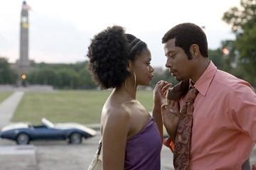 Terrence Howard e Kimberly Elise in una scena del film Pride