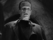 Boris Karloff in una scena di La moglie di Frankenstein
