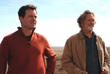 Greg Kinnear e Kris Kristofferson in una scena del film Fast Food Nation
