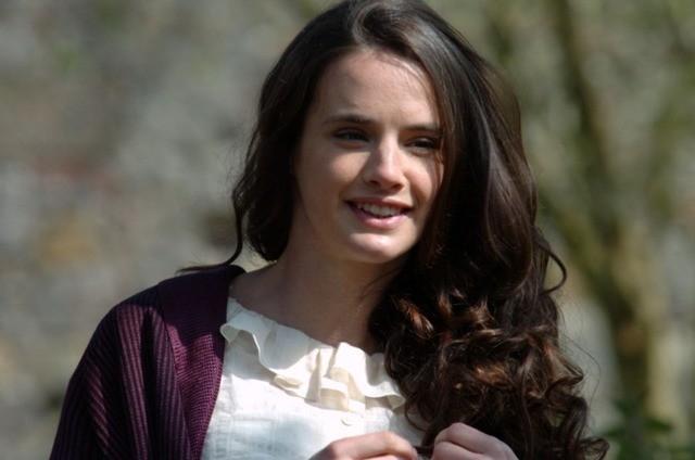 Jennifer Decker in una scena del film Giovani Aquile