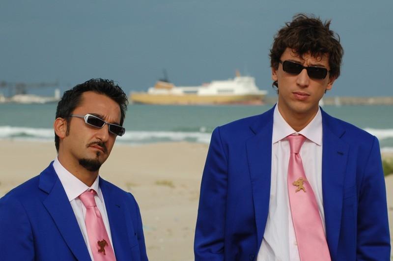 Nicola Savino e Corrado Fortuna in una scena del film Agente Matrimoniale