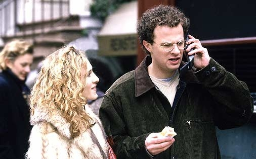 Sarah Jessica Parker e Ben Weber in una scena del primo episodio di Sex and the City