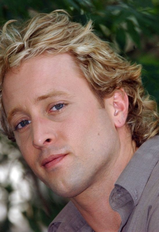 Il protagonista del film Feed, Alex O'Laughlin