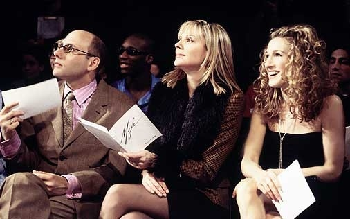 Willie Garson, Kim Cattrall e Sarah Jessica Parker in una scena di Sex and the City, episodio A ognuno il suo