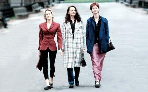 Kristin Davis, Cynthia Nixon e Sarah Jessica Parker in una scena di Sex and the City, episodio Gli uomini sono tutti... strani?