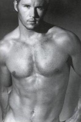 una immagine sexy di Ryan Kwanten