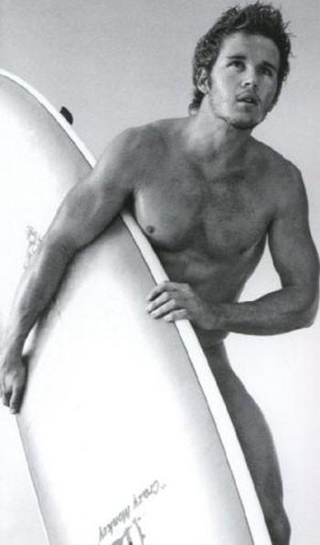 Ryan Kwanten in versione surfer