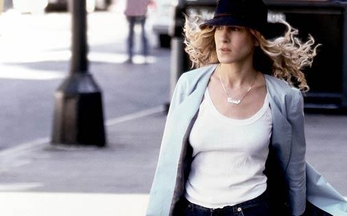 Sarah Jessica Parker in una scena di Sex and the City, episodio Single è bello?