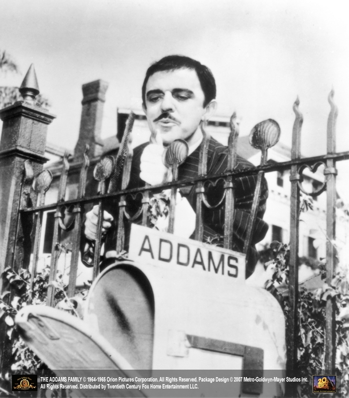 John Astin è il fascinoso Gomez, capofamiglia de 'La famiglia Addams'