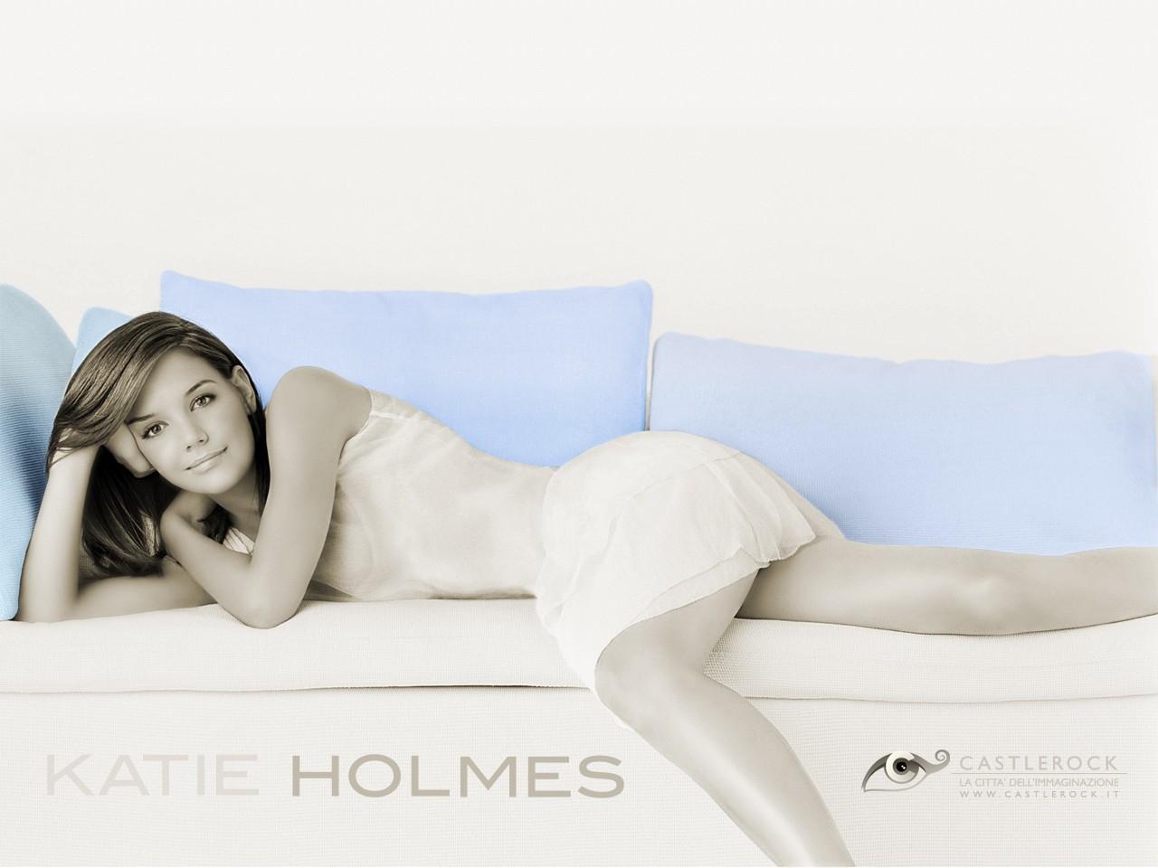 Wallpaper di Katie Holmes sul divano