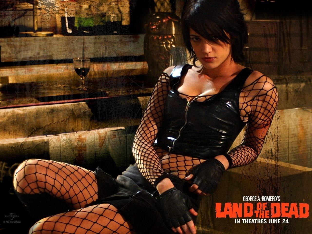Wallpaper del film La terra dei morti viventi con Asia Argento