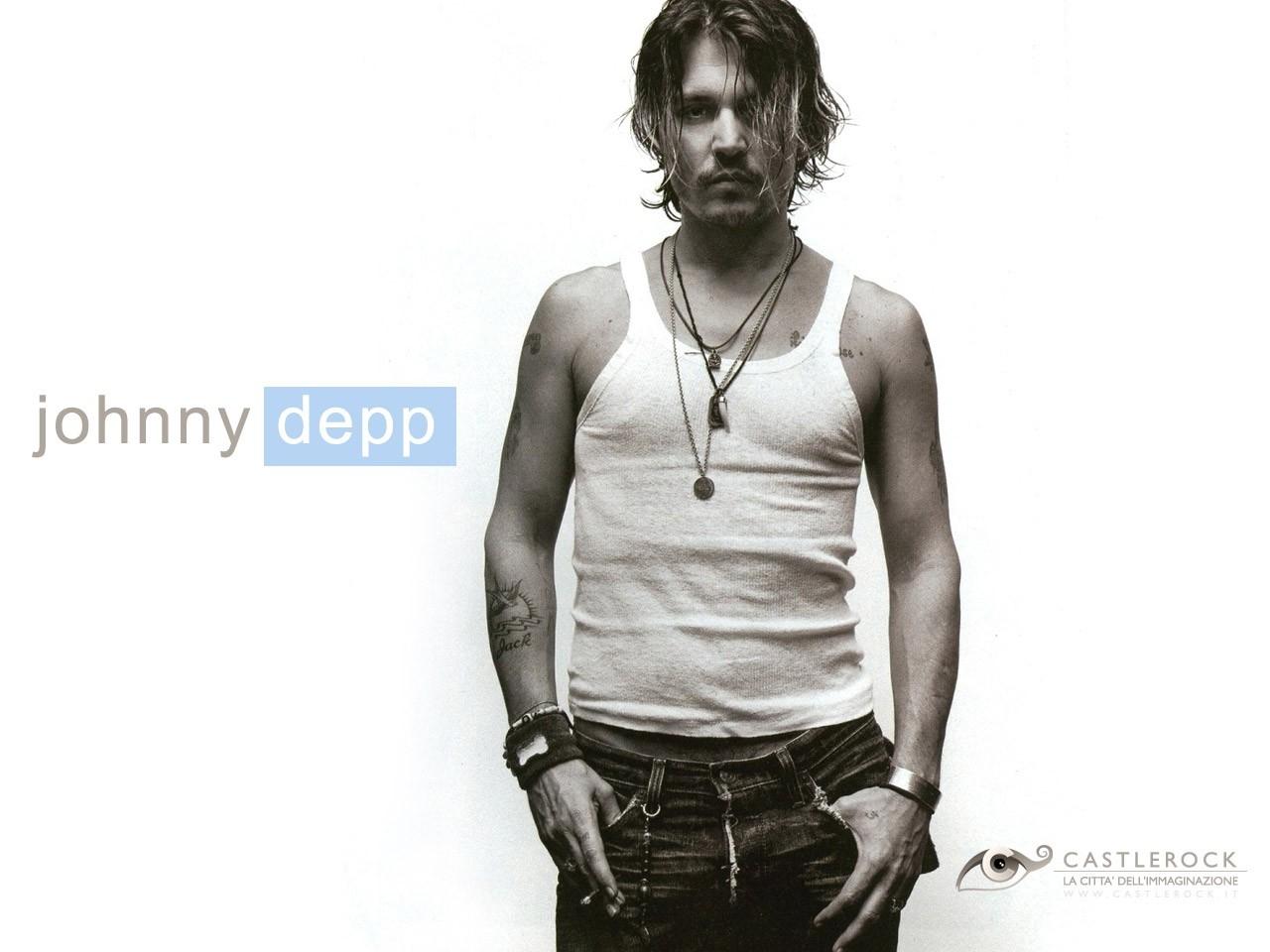 Johnny Depp - Desktop Wallpaper