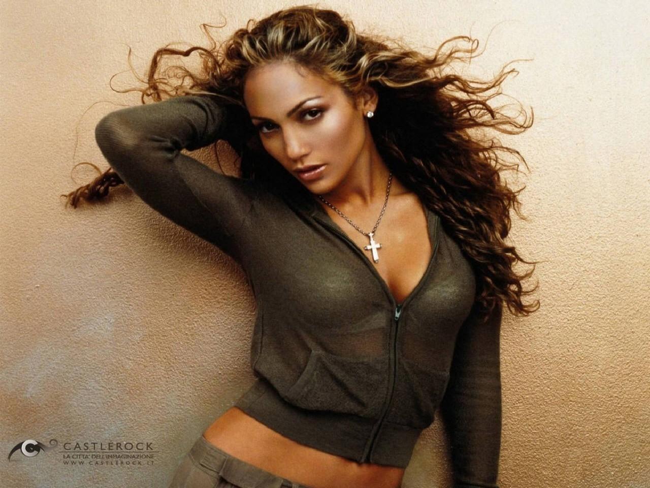Wallpaper di Jennifer Lopez con i capelli al vento