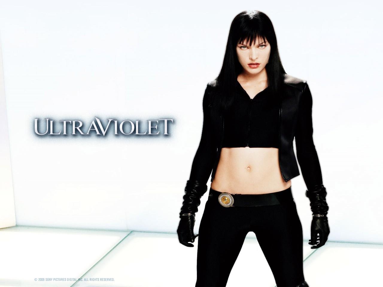 Wallpaper di Milla Jovovich, sexy e grintosa eroina di Ultraviolet
