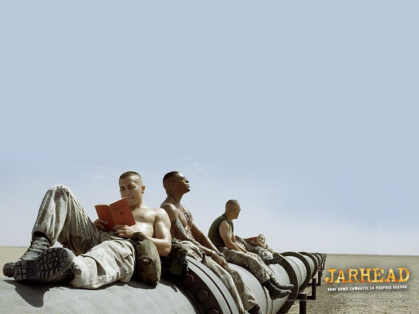 Wallpaper di Jake Gyllenhaal e degli altri protagonist del film Jarhead