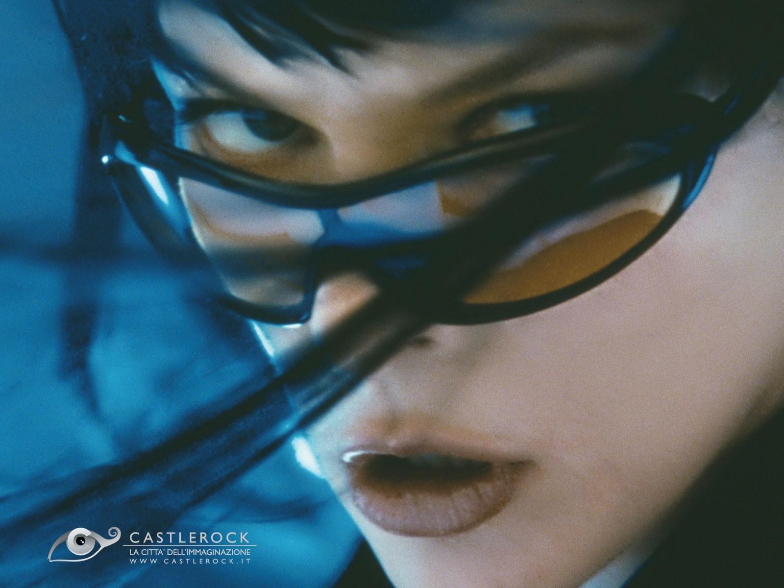 Wallpaper del film Ultraviolet con un primo piano di Milla Jovovich