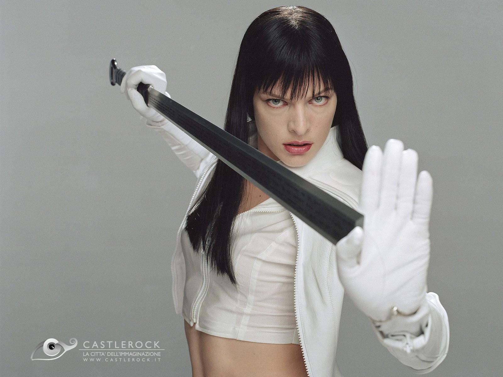 Wallpaper di Milla Jovovich, sexy eroina di Ultraviolet