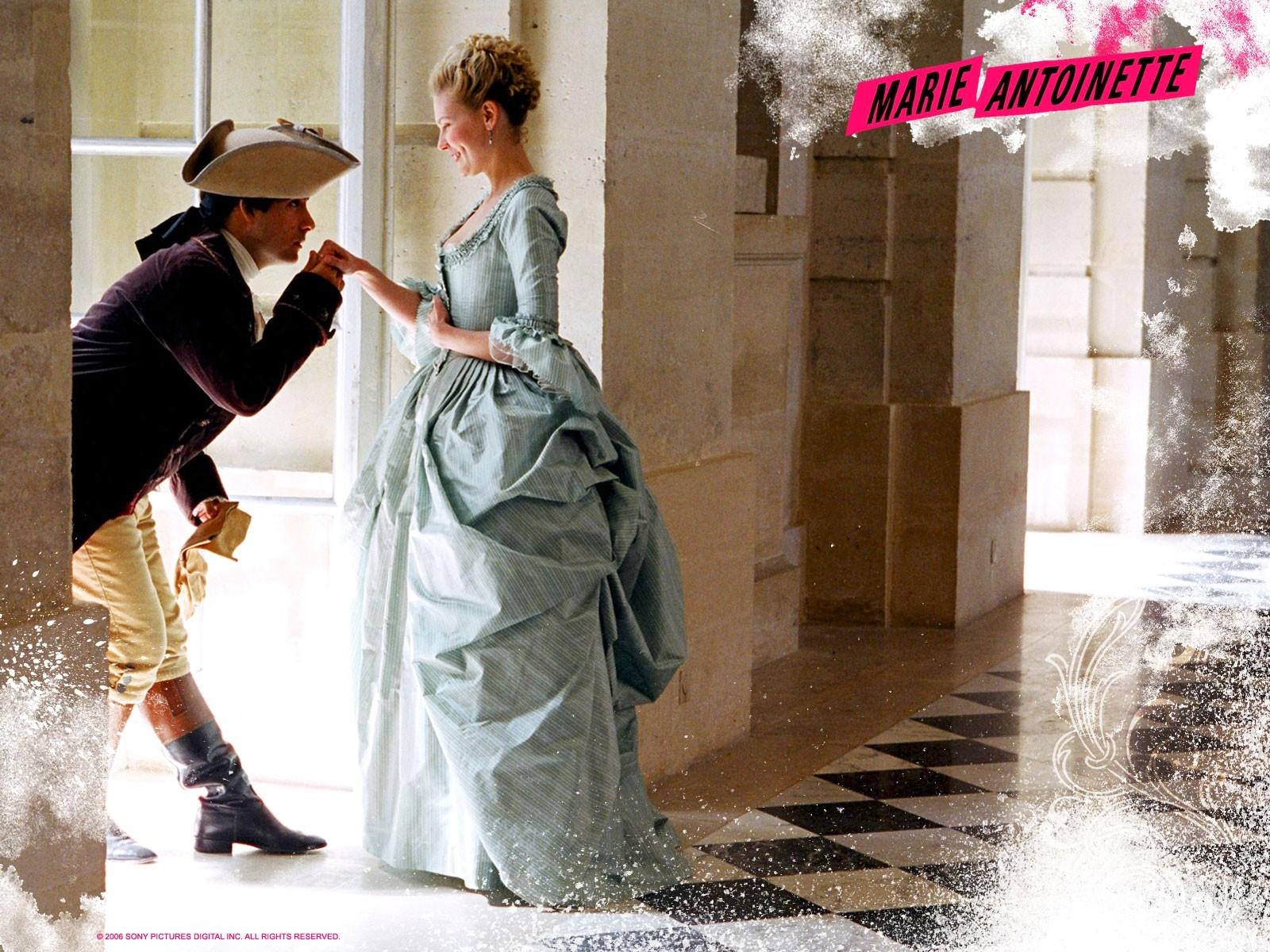 Wallpaper del film Marie Antoinette con Kirsten Dunst nei panni della Regina di Francia