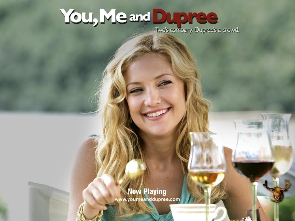 Una sorridente Kate Hudson nel wallpaper del film Tu, io e Dupree