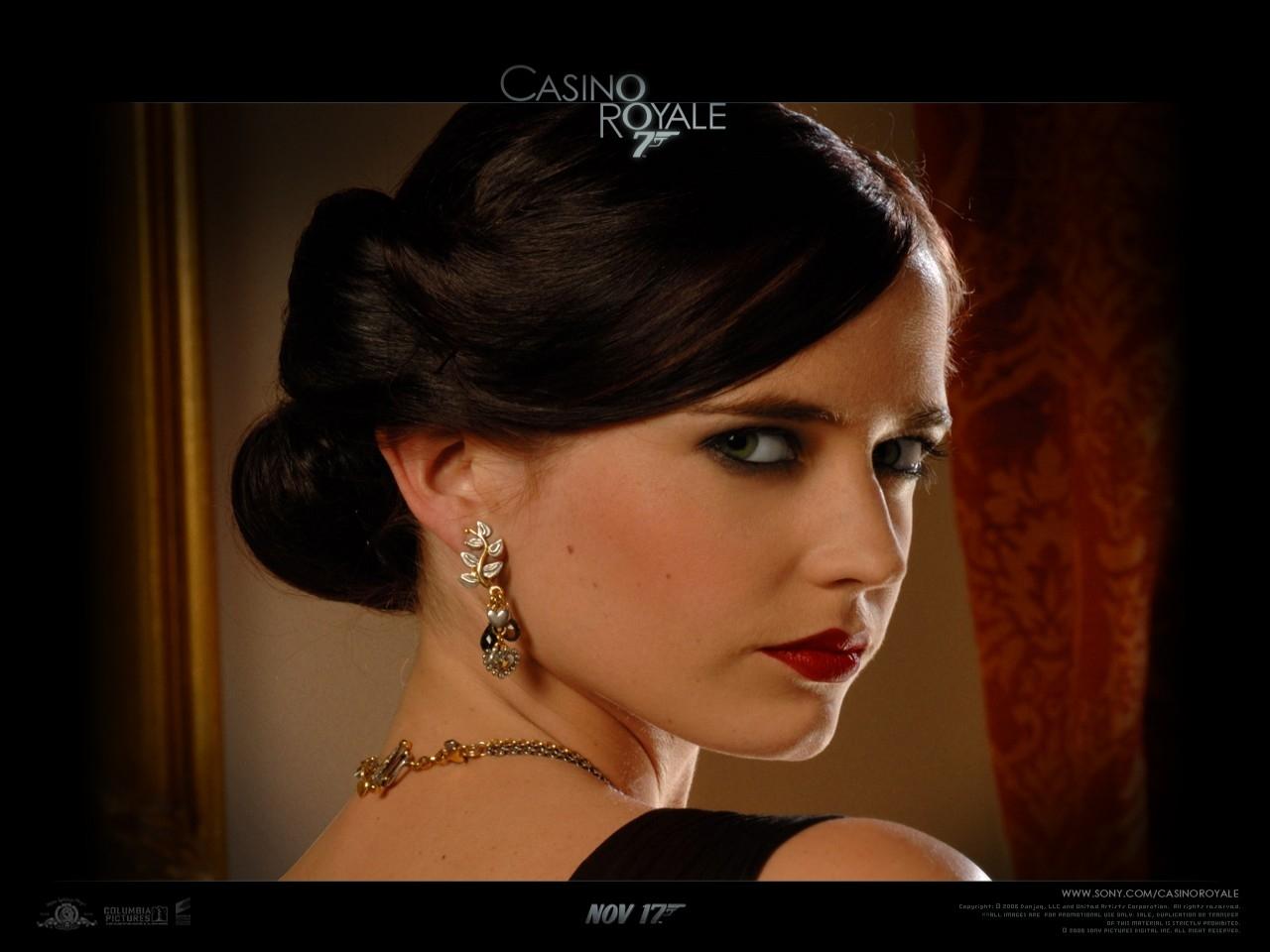 Wallpaper del film Casino Royale con Eva Green