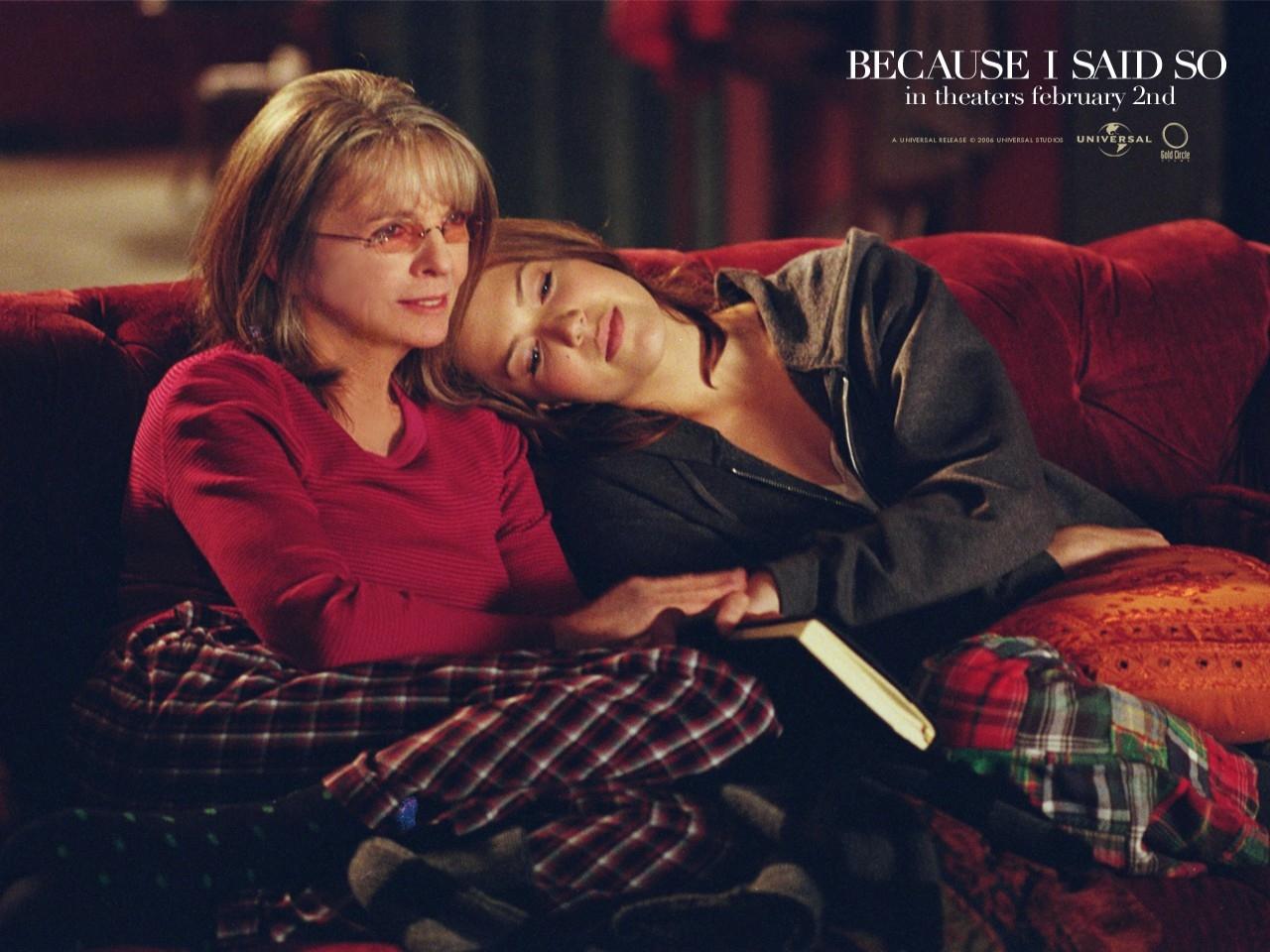 Un wallpaper del film Perchè te lo dice mamma con Diane Keaton e Mandy Moore