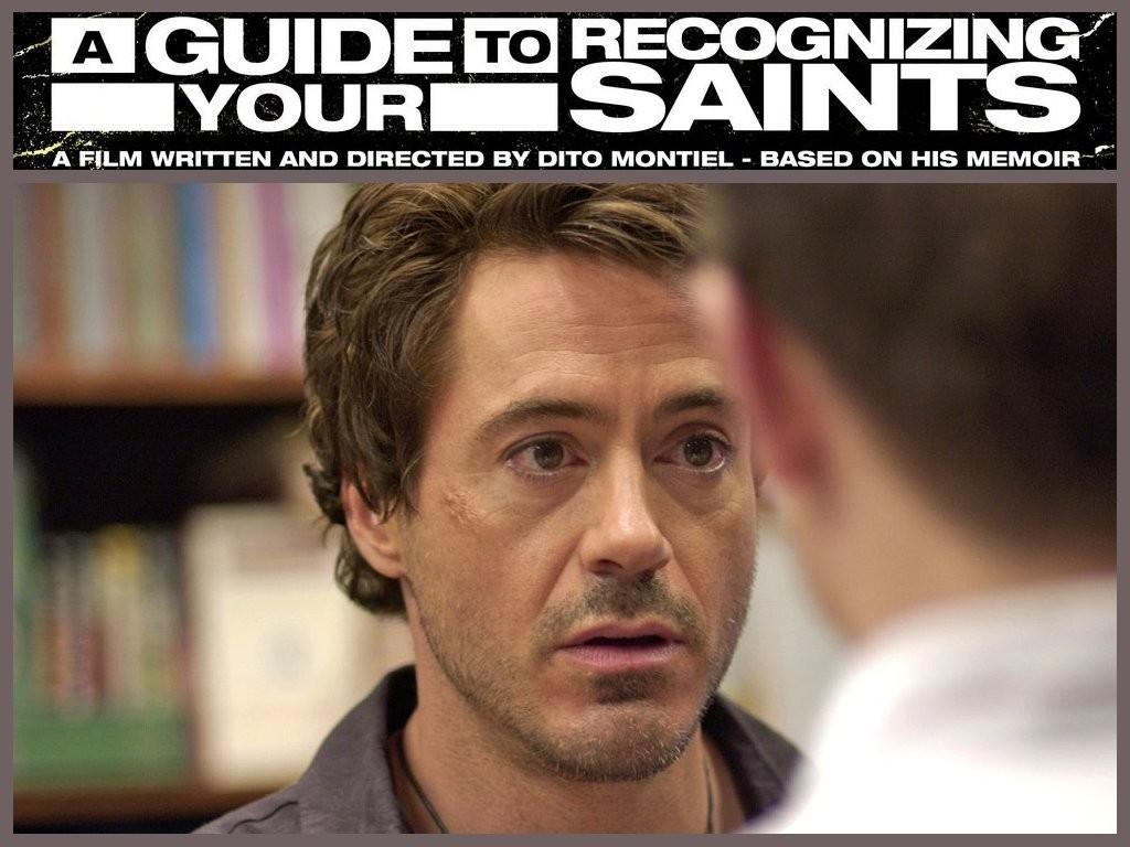 Robert Downey jr. in un wallpaper del film Guida per riconoscere i tuoi santi