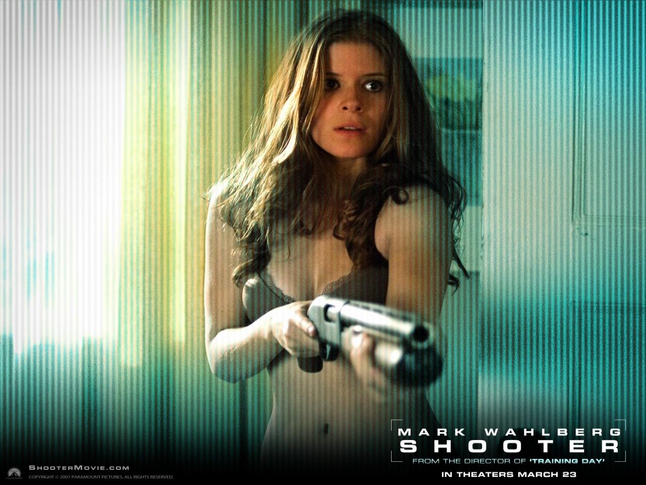 Wallpaper del film Shooter con la sexy Rhona Mitra