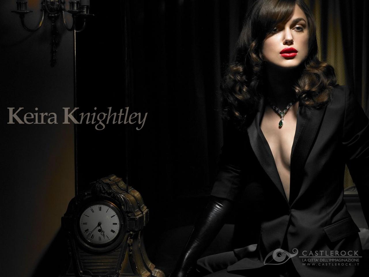 Wallpaper di Keira Knightley in versone seducente e misteriosa