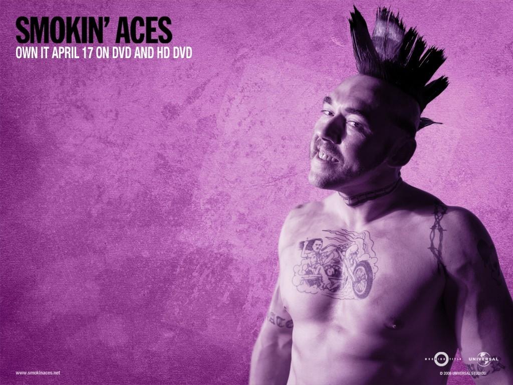 Wallpaper del film Smokin' Aces con sfondo viola