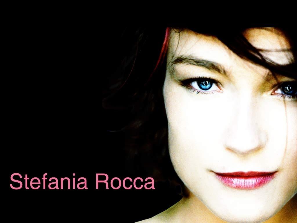 Wallpaper dell'attrice Stefania Rocca