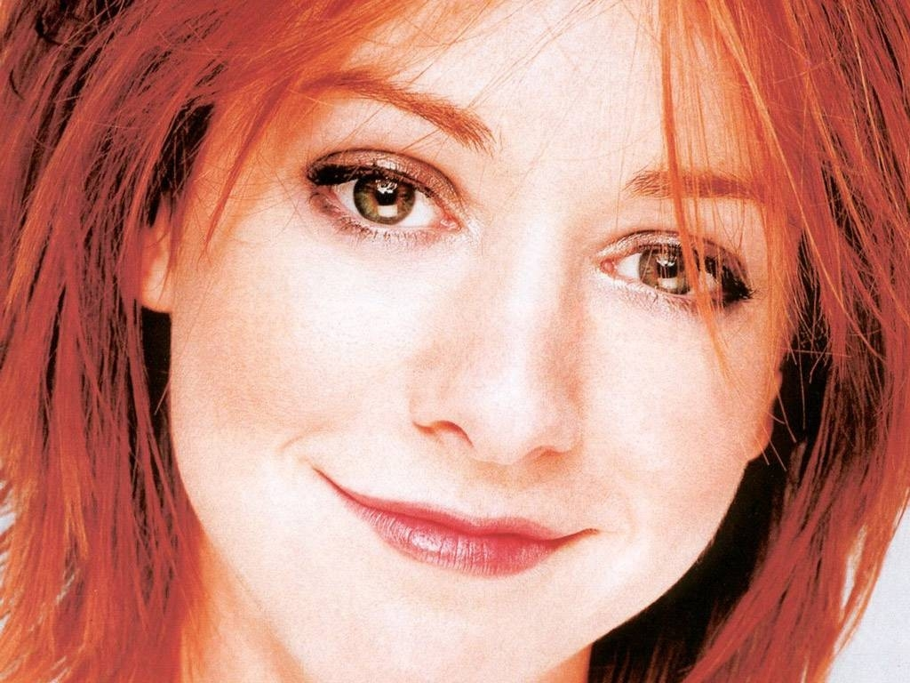 Wallpaper: unu primo piano di Alyson Hannigan