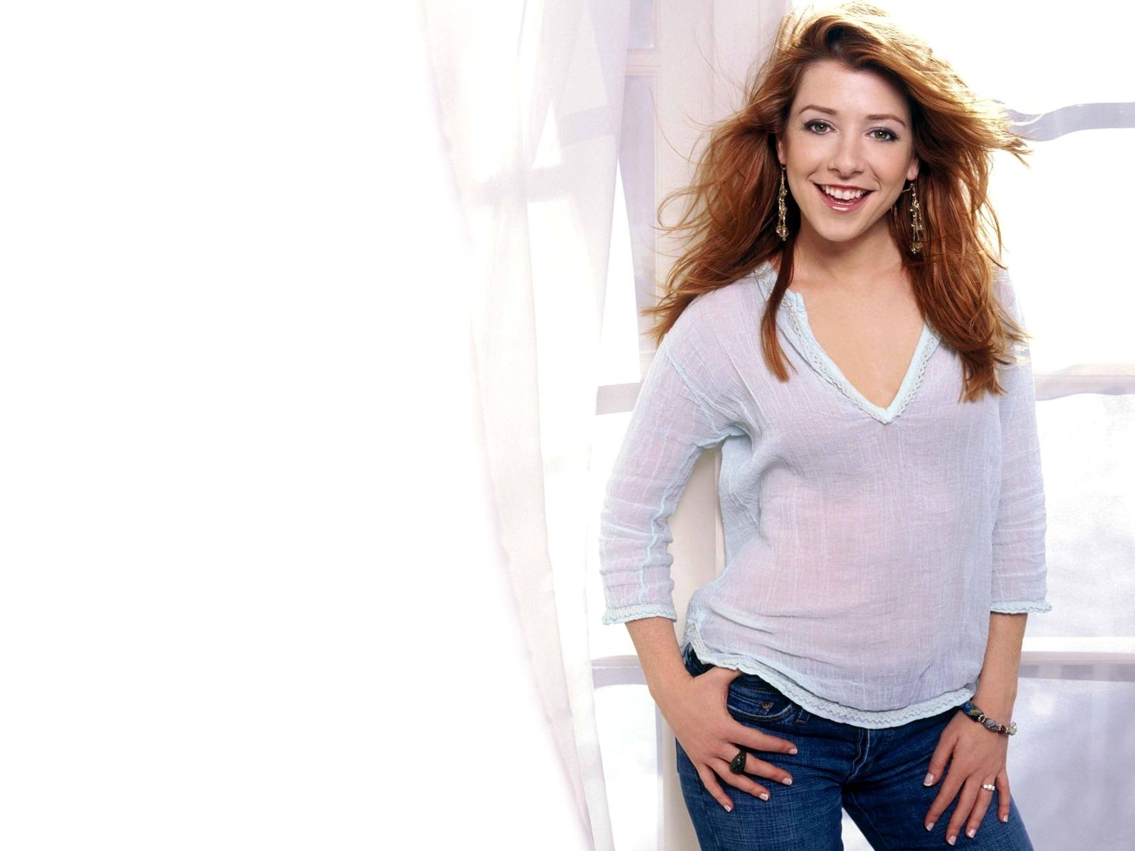 Un wallpaper di Alyson Hannigan