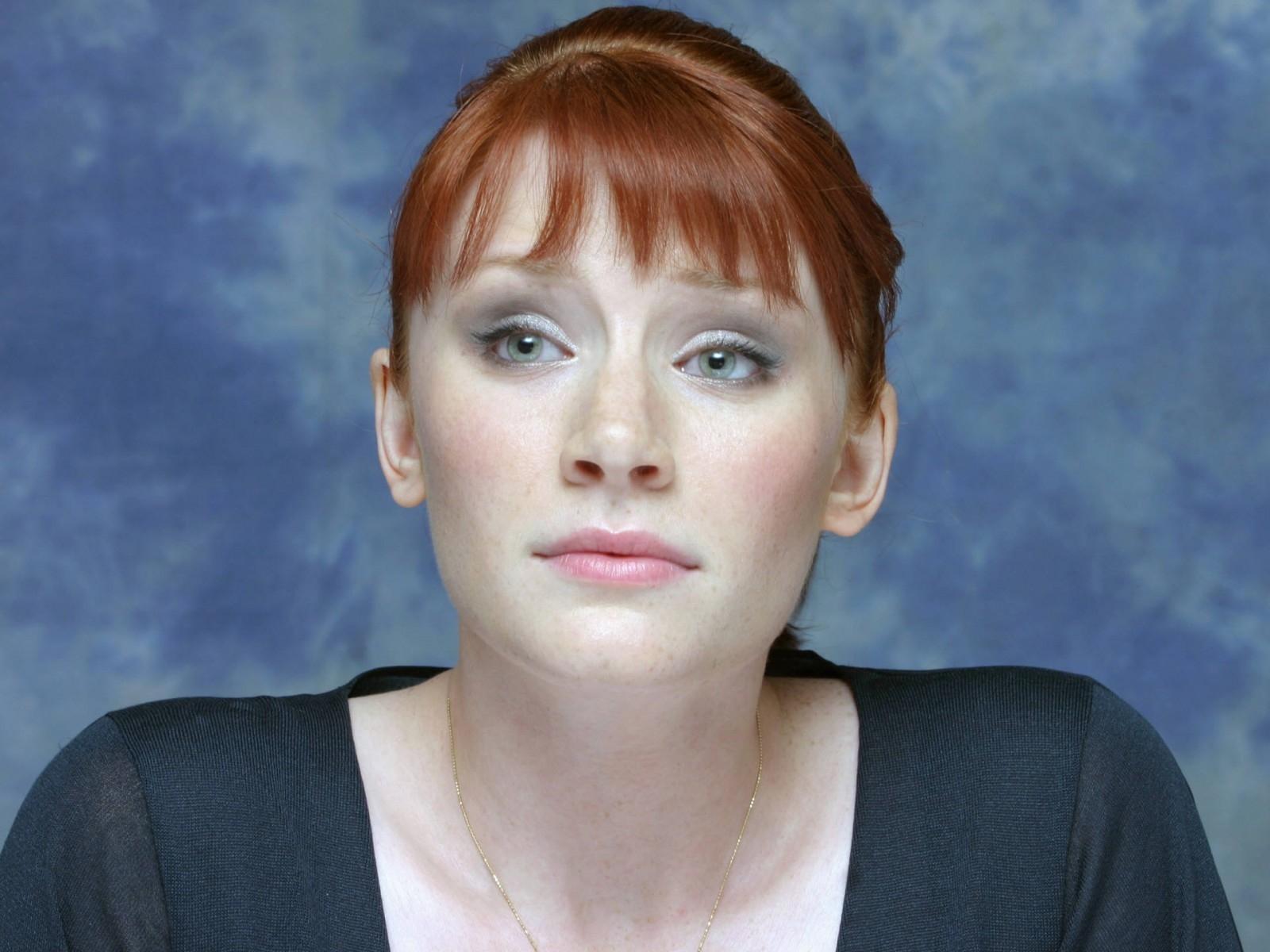 Wallpaper di Bryce Dallas Howard - L'attrice è nata il 2 marzo '81 sotto il segno dei Pesci