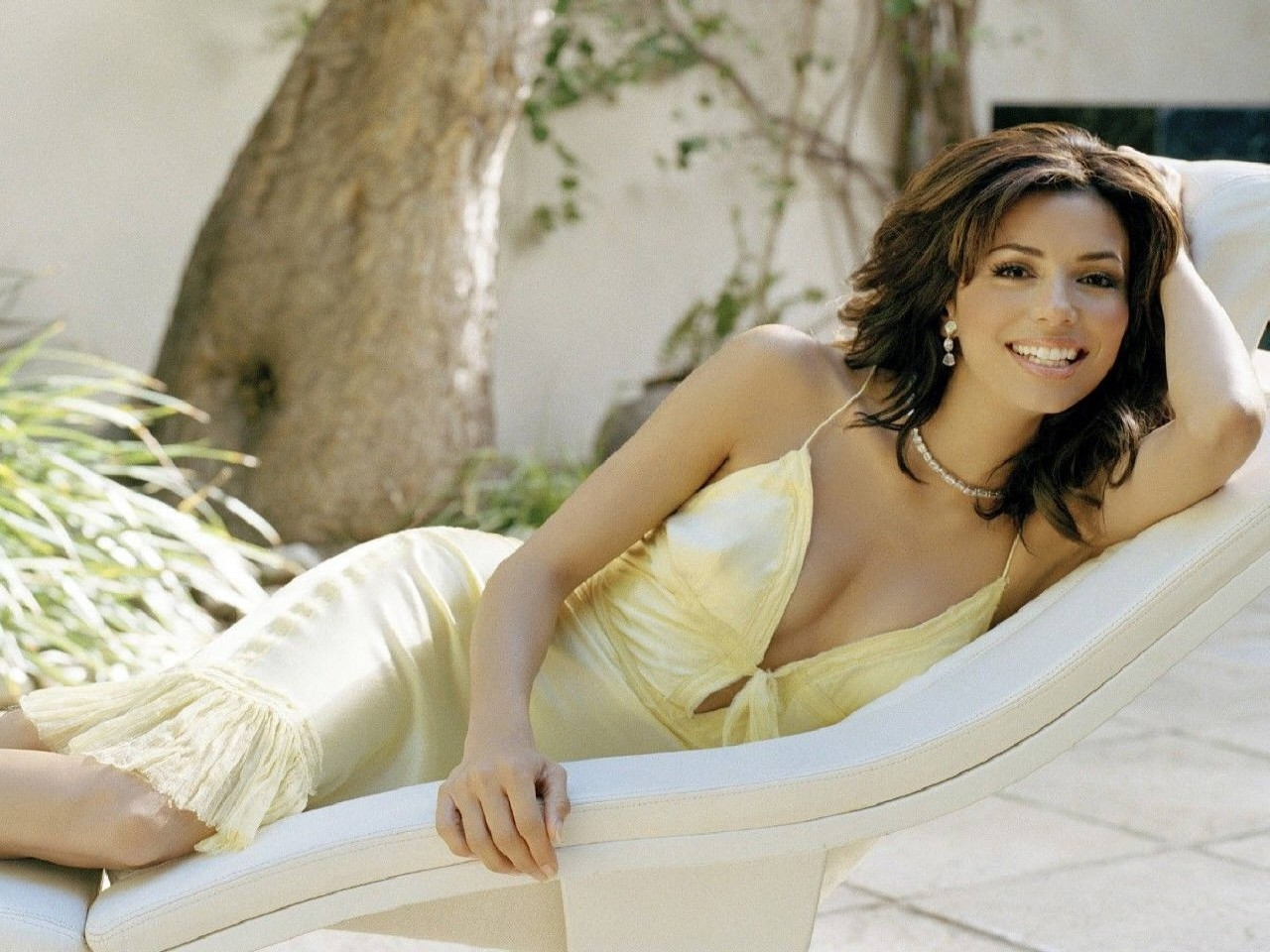 Wallpaper di Eva Longoria Parker - la bella star di Desperate Housewives è nata il 15 marzo 1975 a Corpus Christi, negli USA
