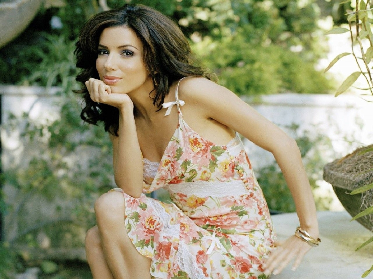 Wallpaper di Eva Longoria Parker - la splendida star di Desperate Housewives è nata il 15 marzo 1975 a Corpus Christi, negli USA
