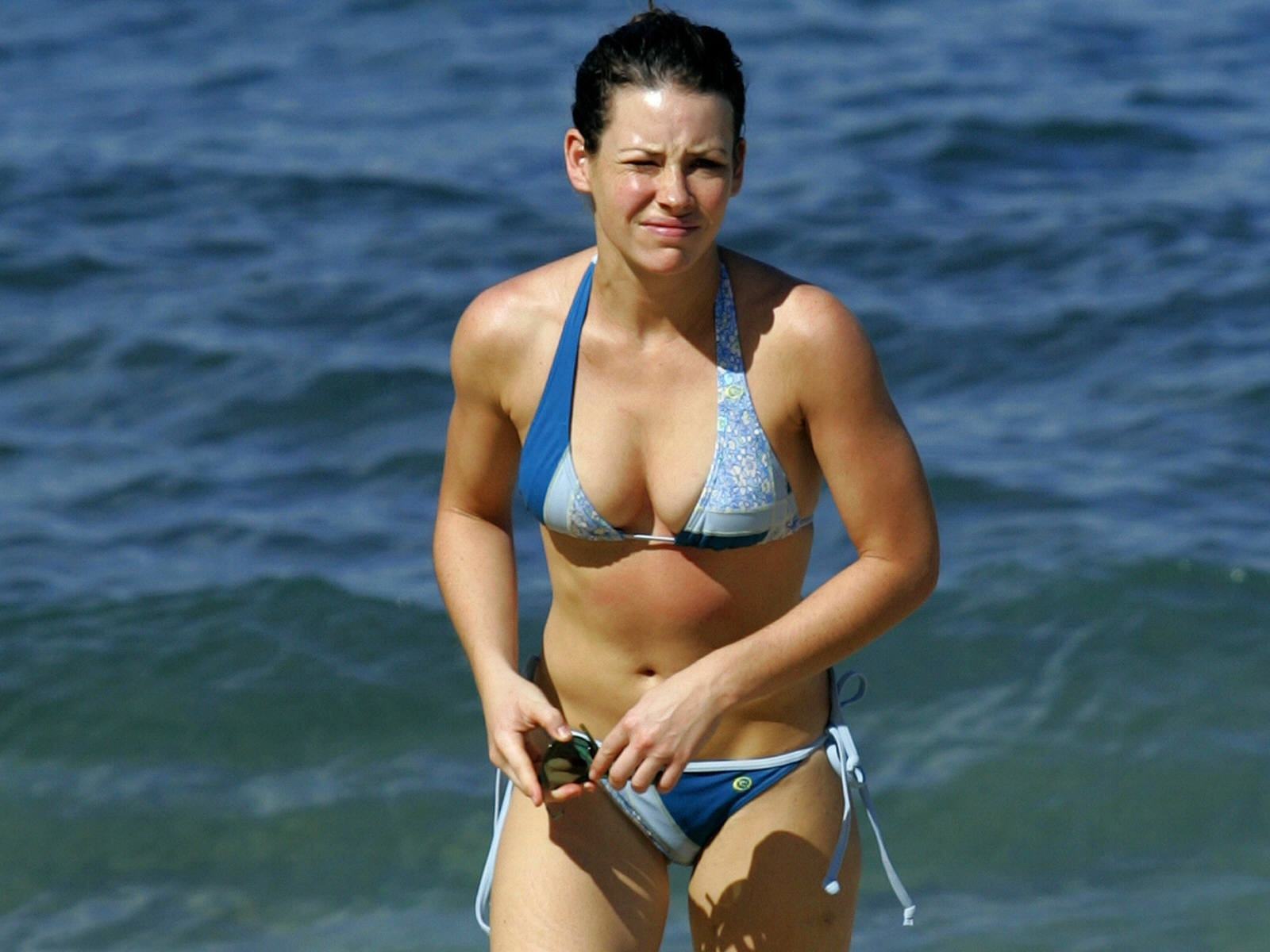Wallpaper di Evangeline Lilly al mare
