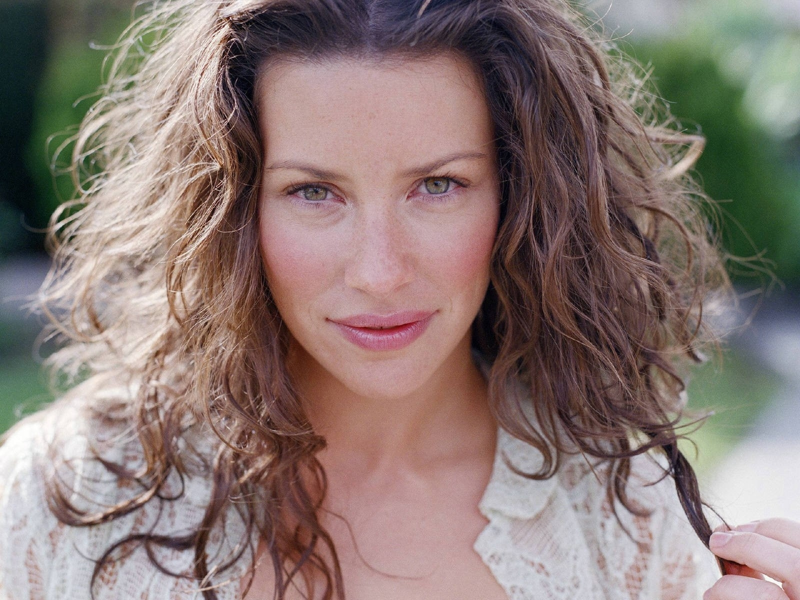 Wallpaper: una bella immagine di Evangeline Lilly