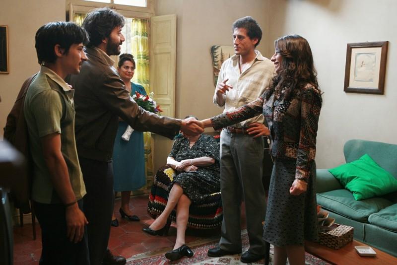 Filippo Timi e Sabrina Impacciatore in una scena del film La signorina Effe
