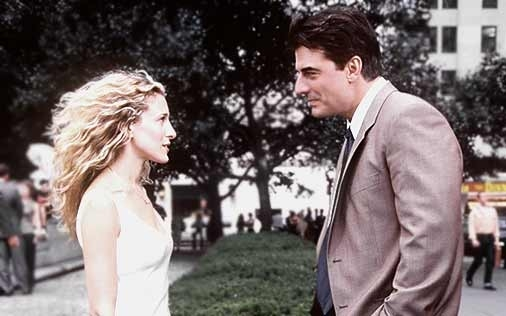 Sarah Jessica Parker e Chris Noth in una scena di Sex and the City, episodio Ex: la terza dimensione
