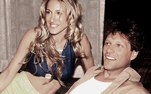 Sarah Jessica Parker e John Bon Jovi in una scena di Sex and the City, episodio Giochi di coppia