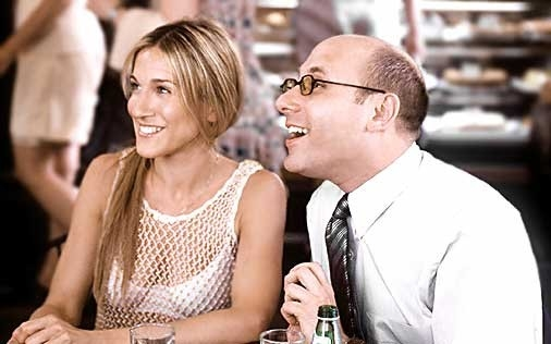Sarah Jessica Parker e Willie Garson in una scena di Sex and the City, episodio  Sesso: desiderio o necessità?