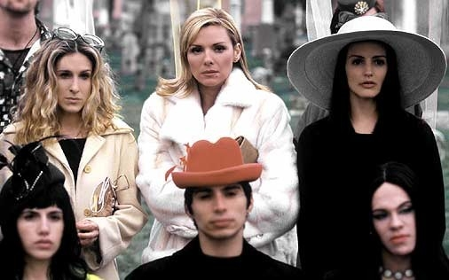 Sarah Jessica Parker, Kim Cattrall e Kristin Davis in una scena di Sex and the City, episodio Strane opportunità