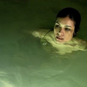 Shannyn Sossamon in una sequenza del film Catacombs