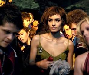 Shannyn Sossamon in una scena del thriller Catacombs
