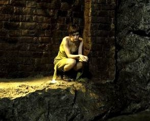 Shannyn Sossamon in una scena del film Catacombs