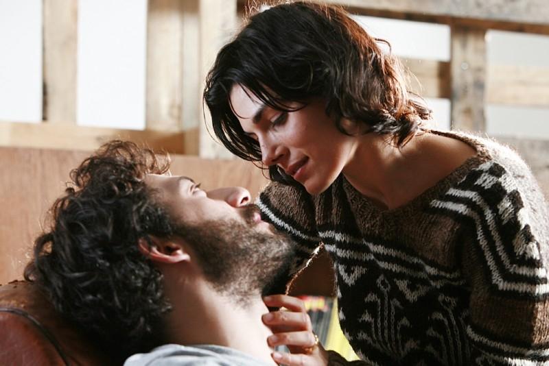 Valeria Solarino con Filippo Timi in una scena del film La signorina Effe